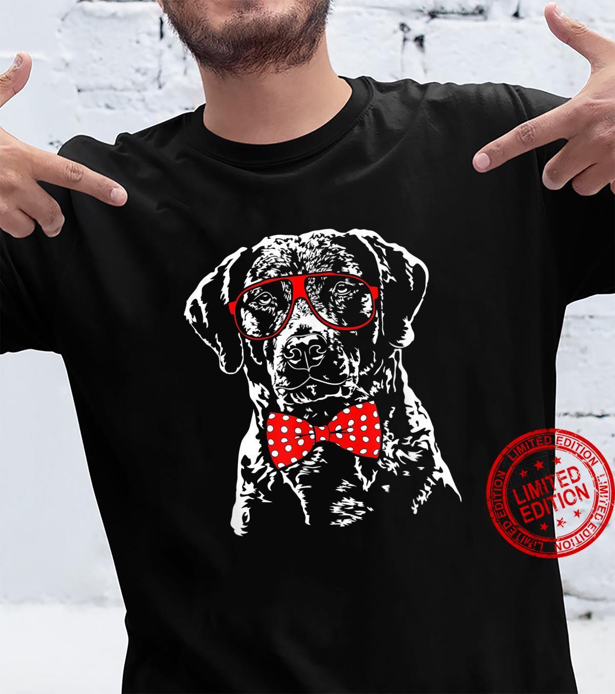 Funny Cute Chesapeake Bay Retriever mom dog Shirt