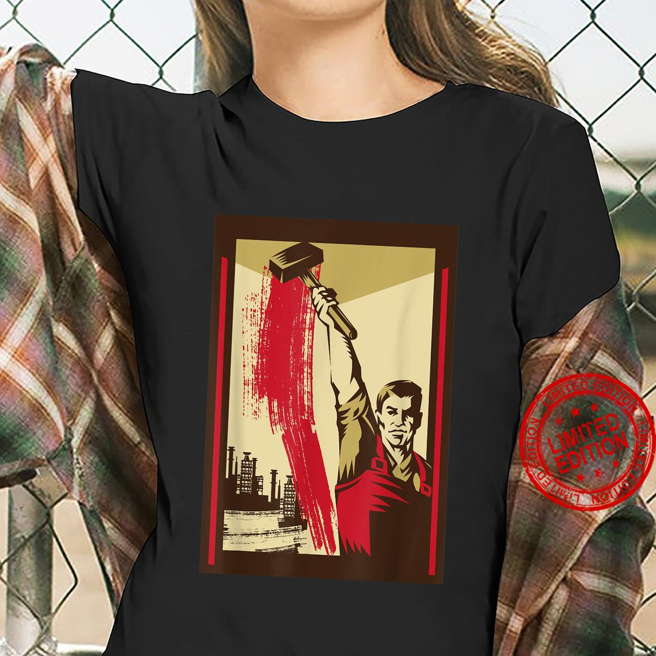 Worker with Hammer SOVI8 Vintage Propaganda. Shirt ladies tee